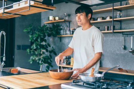 お父さんが家事や料理や育児をやると家庭円満につながる